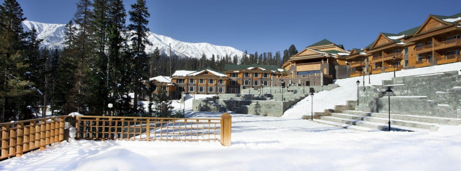 snow hotel best place to visit in kashmir